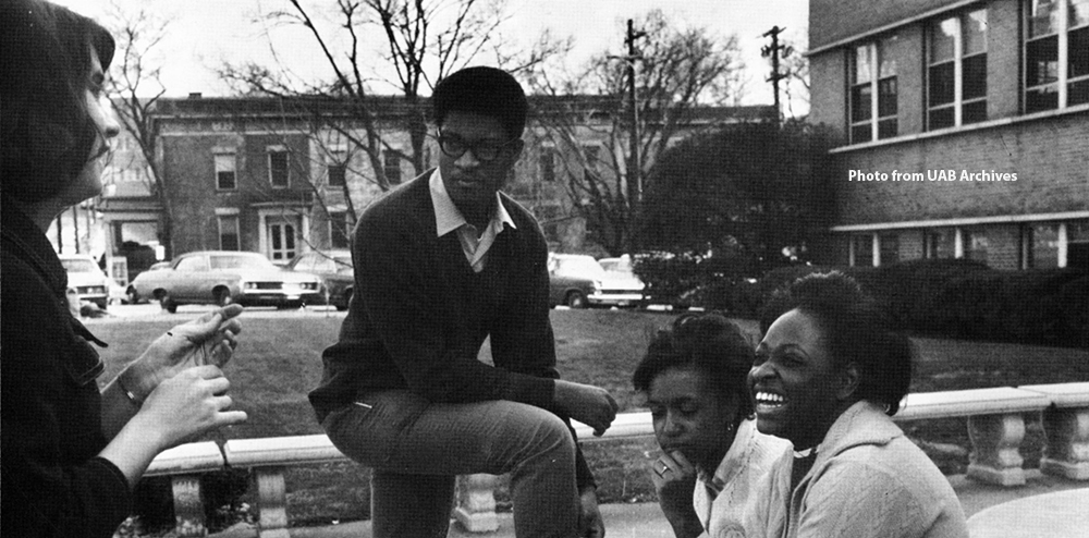 Students in front of Tidwell Hall, 1969
